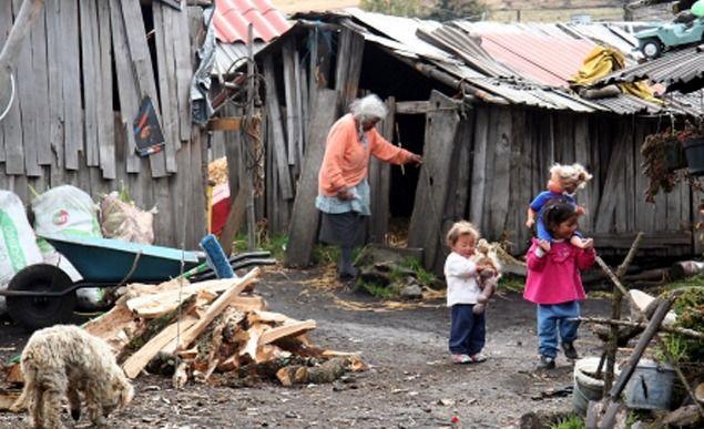 Bajó el índice de pobreza al 28,6% en el primer semestre
